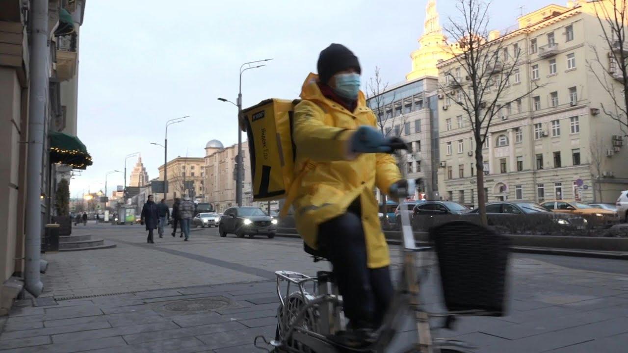 من موسكو إلى نيويورك... ازدهار خدمات التوصيل خلال 15 دقيقة خلال الجائحة
